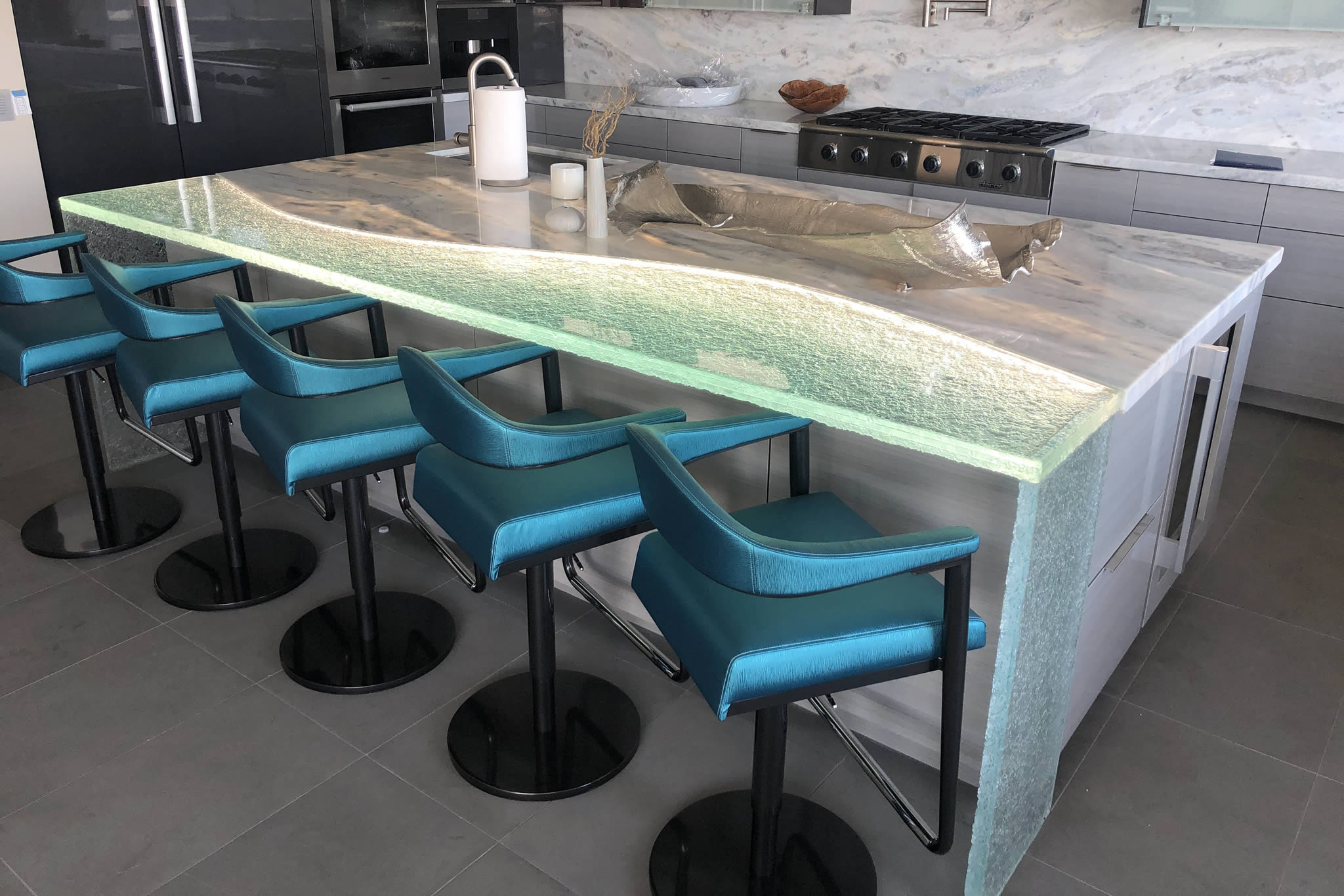 Solid Glass Counter Surfaces in a Dazzling Array of Shapes, Colors, Textures, and Patterns